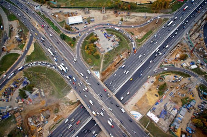Строительство и реконструкцию дорог