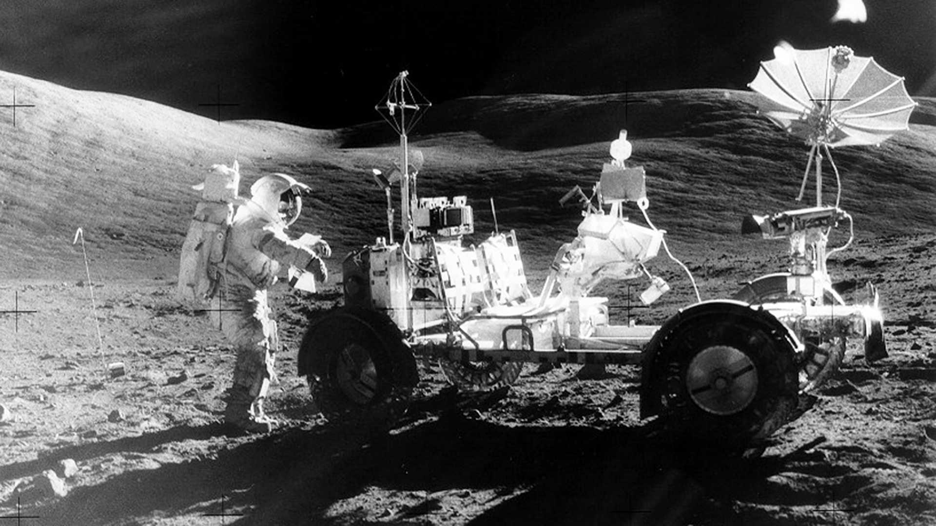 фото лунохода на луне абсолютно нормально относится