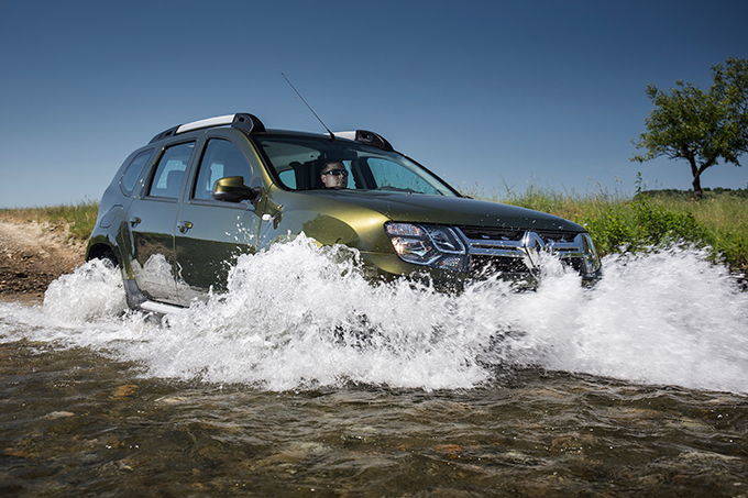 Renault Duster 2,0 6MT 4x4: Уроки экономии