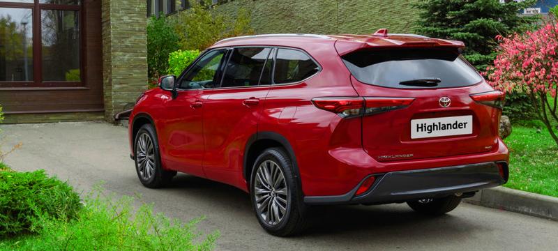 Toyota оценила в рублях новый Highlander