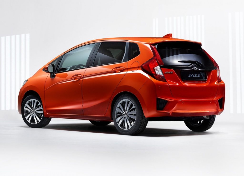 Honda-Jazz_2016_1600x1200_wallpaper_02.jpg
