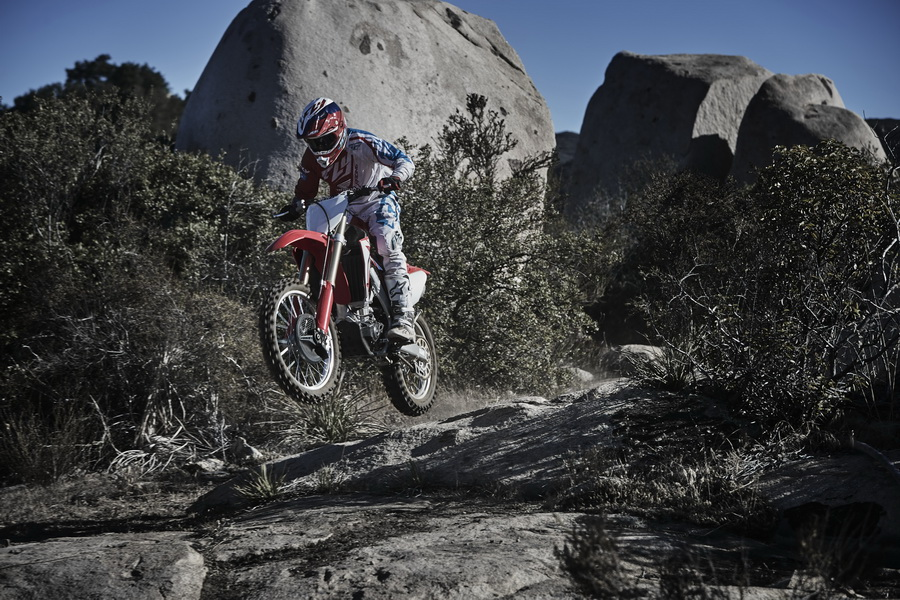 CRF450RX_Action 2_resize.jpg