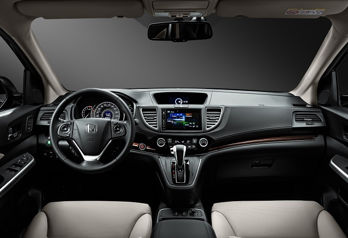 Honda_CR-V_interior_002.jpg