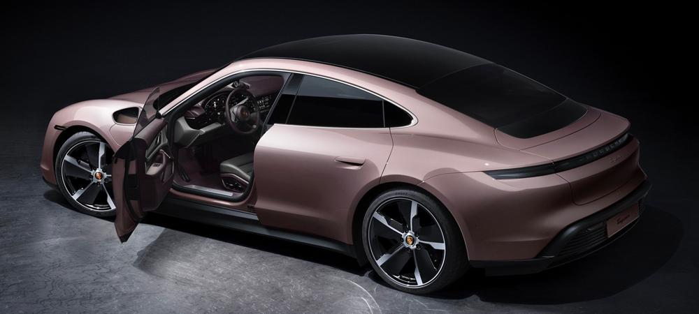 Самый доступный Porsche Taycan идет в Россию