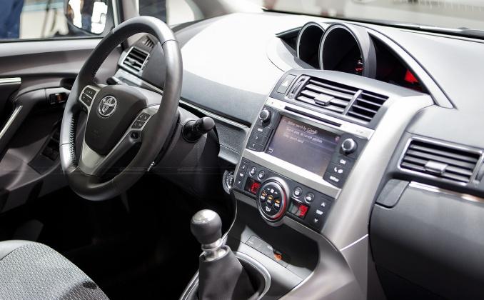 Toyota - Corolla Verso II - 2.2 D-4D (136 Hp) DPF ...