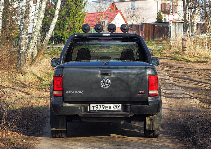 Volkswagen Amarok Dark Label (3027)