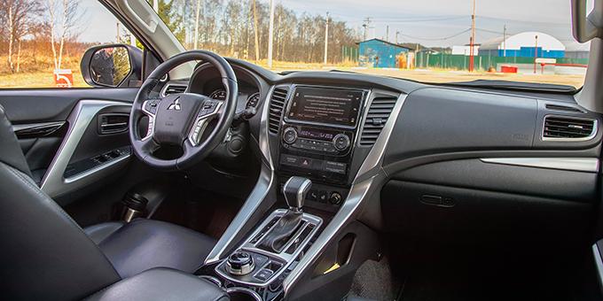 Mitsubishi Pajero Sport 2,4DI-D 6АТ: Ограничимся дизелем