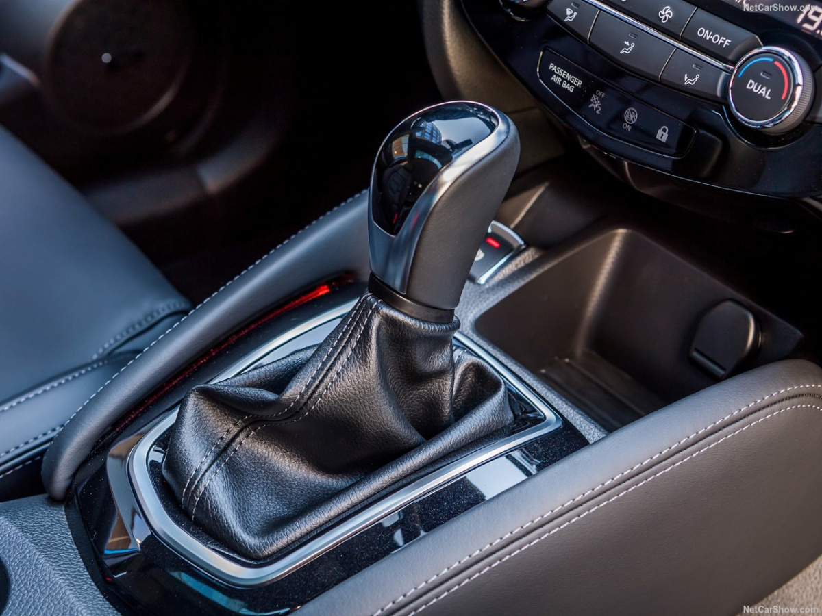 Nissan-Qashqai-2018-1280-45.jpg