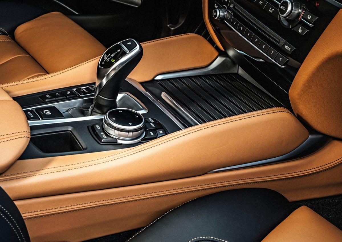 BMW-X6-2015-1600-3d.jpg