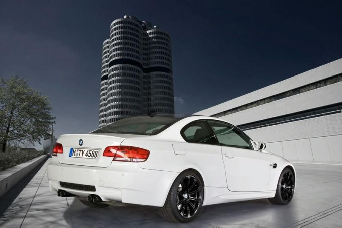 BMW M3 Edition в цвете Alpine White