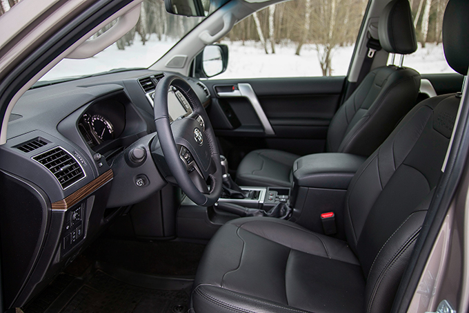 Toyota Land Cruiser Prado 2.8D 4WD Style