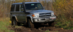 Toyota Land Cruiser 70_02
