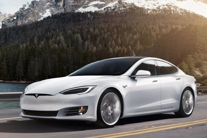 Немцы обвинили Tesla вмошенничестве
