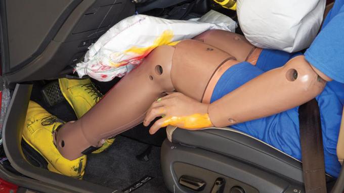 https://automobili.ru/news/auto/deceiving-us-named-useless-airbag/