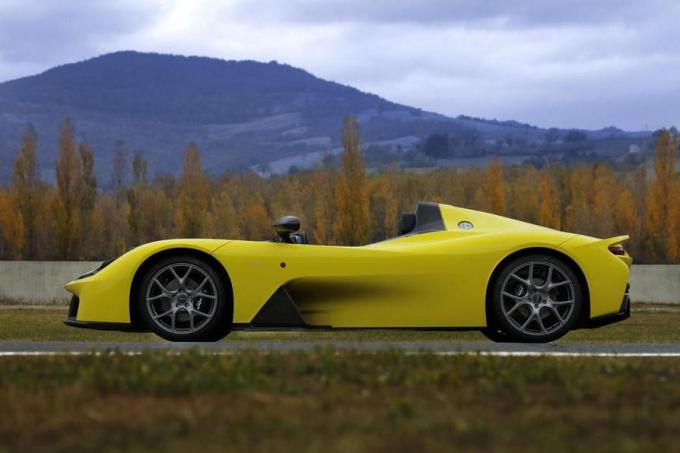 Производитель гоночных шасси Dallara выпустил свой 1-ый автомобиль