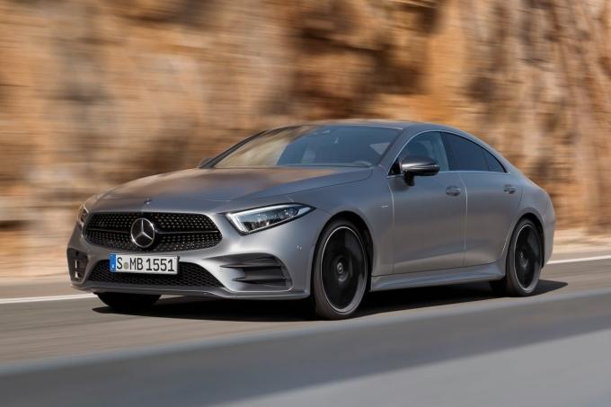 Новый седан Mercedes CLS: пока только массивные версии