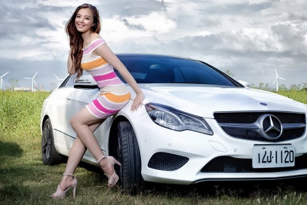 девушки картинки авто