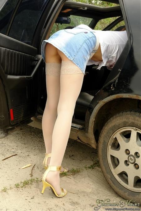 Видео занимаются люди любовью в машине фото 162-527