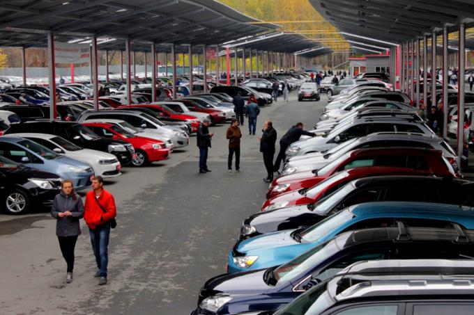 Автосалоны в москве подержанных машин авто в аренду без залога авито